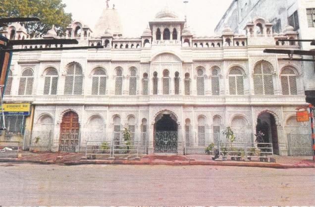 calcutta-pancayati-jain-temple-entrance