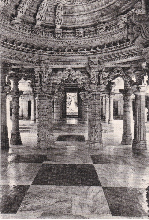 Mount Abu Delwara Temple central view